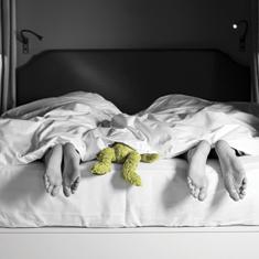 mini_sleeping_bandw