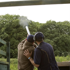 oakleyhallhotel_homepage_minihighlightimage_claypigeonshooting